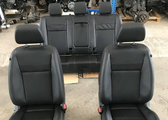 Σαλόνι Ford Ranger Limited δερμάτινο ηλεκτρικό και θερμενομενο σε άριστη κατάσταση